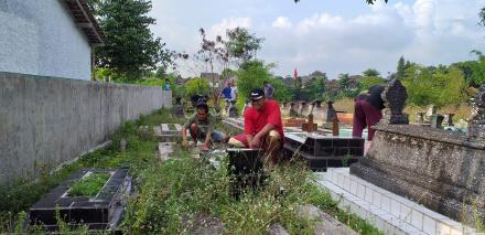 Kerja Bakti Bersih Kampung Citran